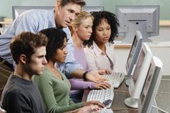 什么是网课?网课代上哪里找?